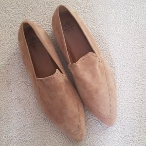 Aquatalia Loafer (worn in the house once)